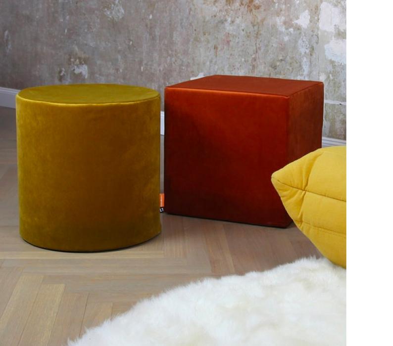 Sitzwürfel aus Samt von Cubemaker
